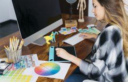 desk-graphic-designer